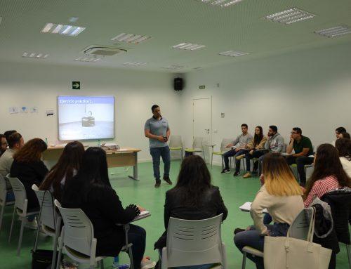 Los 20 proyectos finalistas de Expertemprende reciben formación en comunicación para defender sus proyectos ante jurado