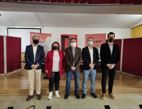 La Junta de Extremadura pone en marcha el proyecto 'Dialecta: La sociedad del aprendizaje a través del debate' destinado a jóvenes de 12 a 18 años